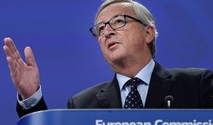 Juncker: Yunanistan Avro bölgesini terk etmemeli