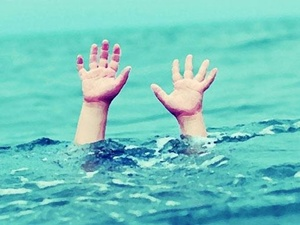 32 kişiyi boğulmaktan kurtardılar