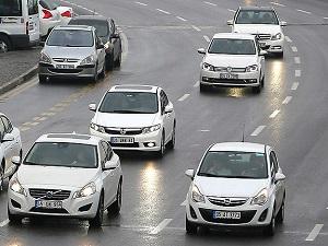 Otomobil satışları millî geliri solladı!