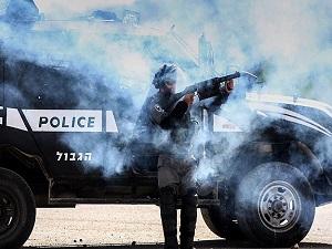 İsrail polisi Mescid-i Aksa'da ateş açtı