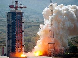 Çin uzaya iki uydu daha gönderdi