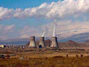 İran iki yeni nükleer santral inşa edecek