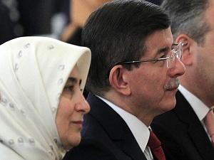 Davutoğlu çiftinden şehit eşine taziye telefonu