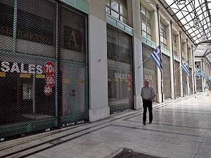 'Yunanistan'da günde bin işyeri kapanıyor'