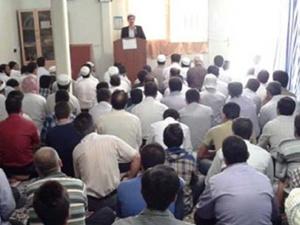 İran, Tahran'daki tek Sünni camisini yıktı