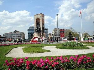 İstanbul'un meydanları merkezden yönetilecek