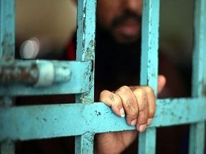 Mısır'da iki darbe karşıtı hapishanede öldü