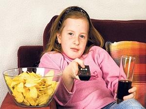 Televizyon, çocuklarda obezite riskini artırıyor!