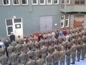 Askerlerimiz sabah namazında