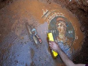 Silifke'de 1800 yıllık mozaik bulundu