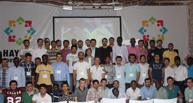 Farklı ülkelerden Müslüman gençler bir arada!