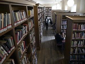 30 bine yakın kütüphanemiz 20 milyon kitabımız var