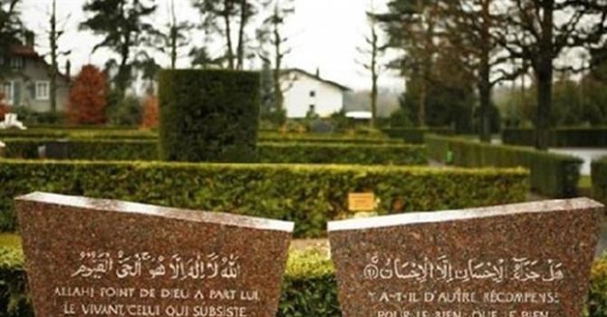 Müslümanların ölüsünden bile korkuyorlar