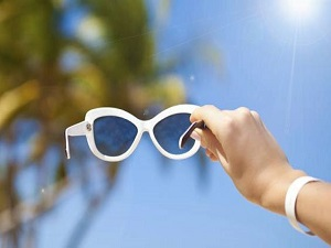 Yaz güneşi gözleri 3 kat fazla etkiliyor