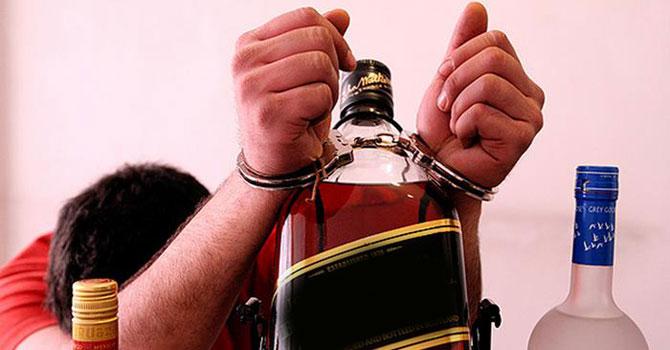 İran'da alkolizm sorunu büyüyor