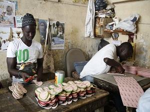 Afrikalı ayakkabıcılar da Çin mallarından yakınıyor