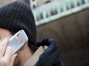 20 yaşından önce cep telefonu kullananlarda beyin kanseri riski daha yüksek