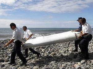 Kayıp Malezya uçağının sırrı devam ediyor