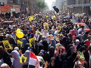 Mısır'da halk darbe karşıtı gösteriler düzenledi