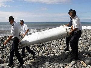 Okyanustan çıkan parçalar Malezya uçağın ait değil