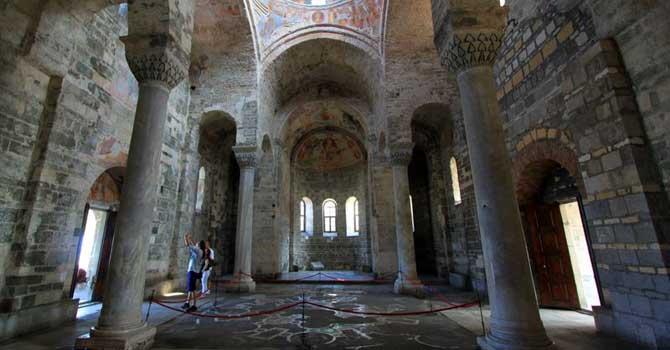 Ayasofya müze olsun size yeni cami yapalım teklifi!