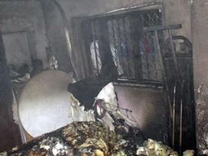 Ev yandı Kur'an-ı Kerim yanmadı!