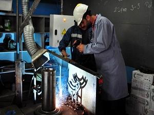 İşçiler yarı otomasyonlu kaynak robotu icat etti