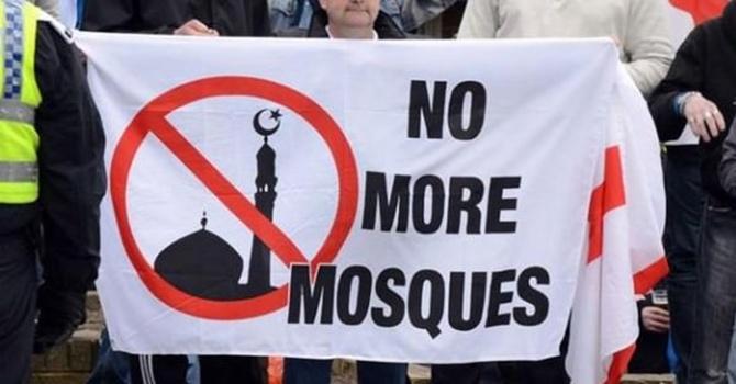 Cami yakana benzin! 'Yeter ki bir Müslüman ölsün!'