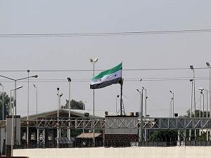 Tel Abyad gümrük kapısına ÖSO bayrağı dikildi