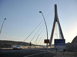 Güneydoğu'nun 'Boğaz Köprüsü' ulaşımı rahatlattı