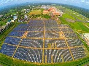 Güneş enerjisiyle çalışacak ilk havaalanı Hindistan'da