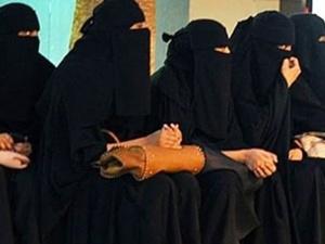Suudi Arabistan'da kadınlar hem aday hem seçmen olabilecek