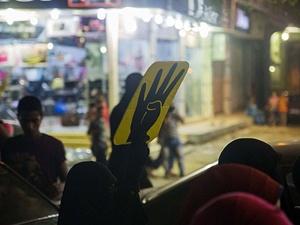 Mısır'da sıcaklara rağmen darbe karşıtı gösteriler sürüyor