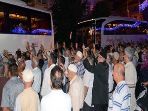 Tosya'da ilk hac kafilesi dualarla uğurlandı