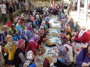 5 bin kişi şehitler için yemek yaptı