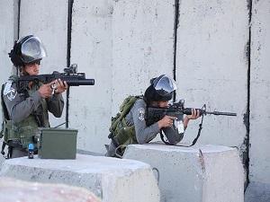İsrail askerlerinin vurduğu Filistinli çocuk öldü