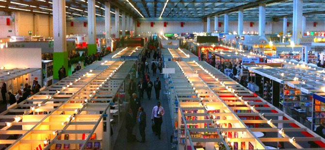 Dünyanın en büyük kitap fuarında Risale-i Nur'u tanıttılar