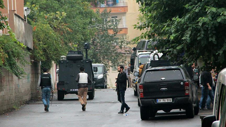 Diyarbakır'da DAEŞ operasyonunda çatışma: 2 şehit
