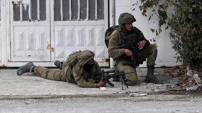 İsrail askerleri El-Halil'de Filistinli bir genci öldürdü