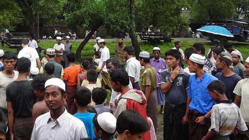 Arakanlı Müslümanlara zulmeden Myanmar, demokrasi sözü verdi