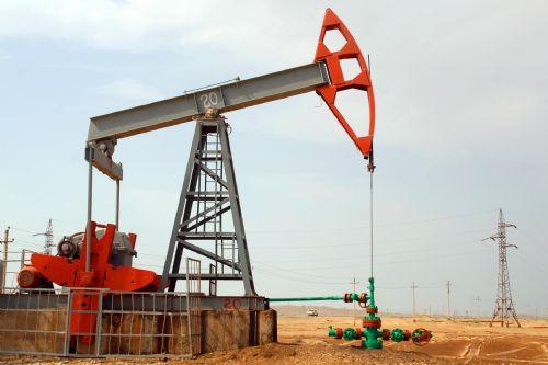 Azerbaycan petrolünün varil fiyatı ucuzladı