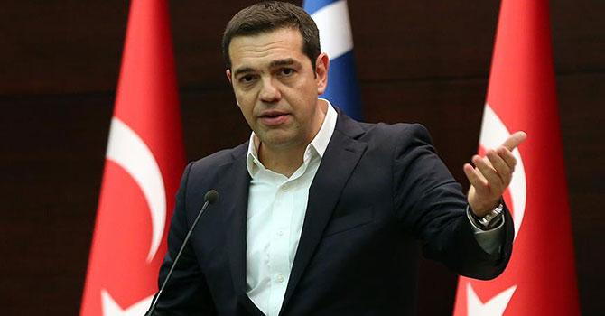 Yunanistan Başbakanı Çipras Dışişleri Bakanlığı görevini üstlendi