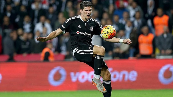 Beşiktaş'ın son 14 yıldaki en golcü ismi Gomez
