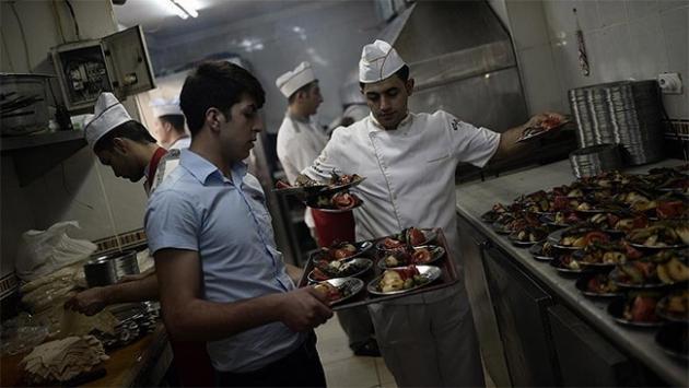 Türk yemeklerine 13,8 milyar lira ödedi