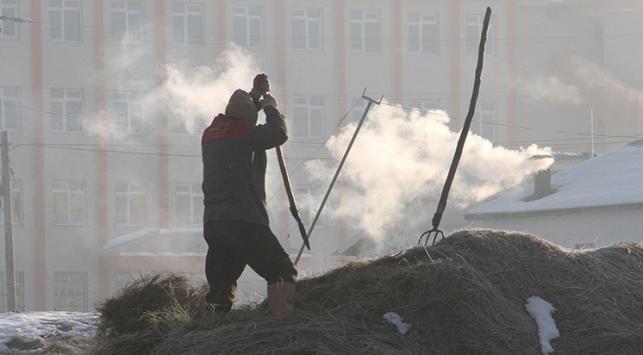 Doğu'da işçilerin soğukla mücadelesi