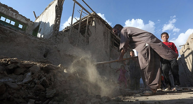 Tacikistan'daki depremin hasarı büyük