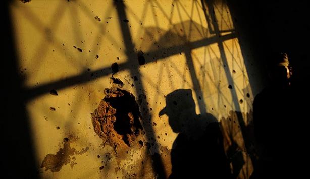 Pakistan'da öğretmenler okullarda silah taşıyabilecek