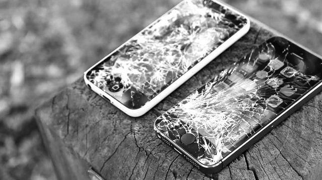 Ekranı kırık, kamerası bozuk iPhone'lar da garantide!