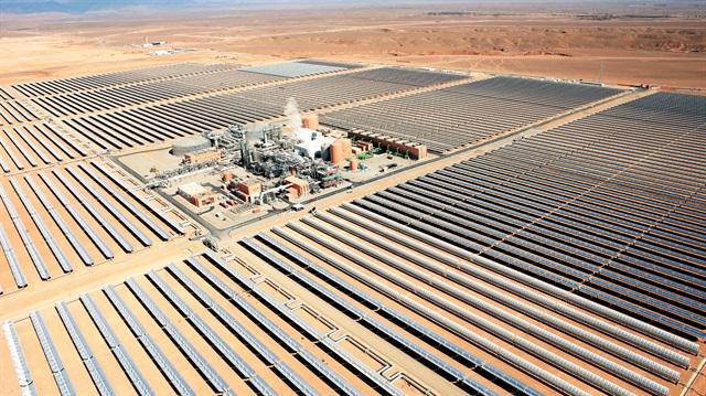 Dünyanın en büyük güneş enerjisi tesisi açıldı!