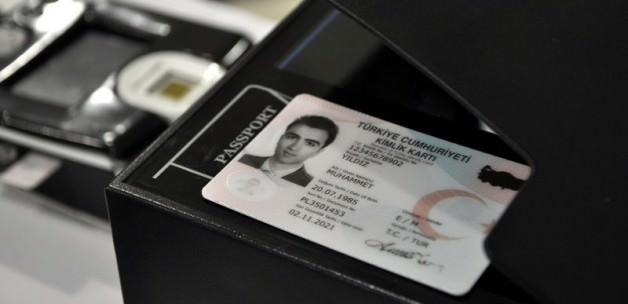 Yeni kimlik kartları 2017'de herkeste olacak!